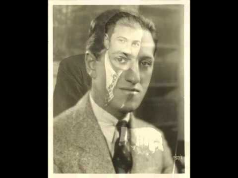 Gershwin introduces Love Is Sweeping the Country