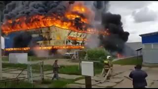 В Тверской области горел завод по производству плитки