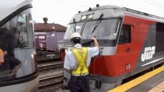 北海道新幹線開業後の新時代、カシオペア紀行でやって来たE26系。 JR貨...
