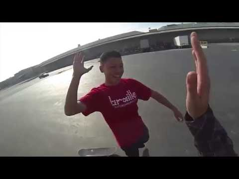 НОВИЧОК ИГРАЕТ В S.K.A.T.E. [На Русском] Brailleskateboarding