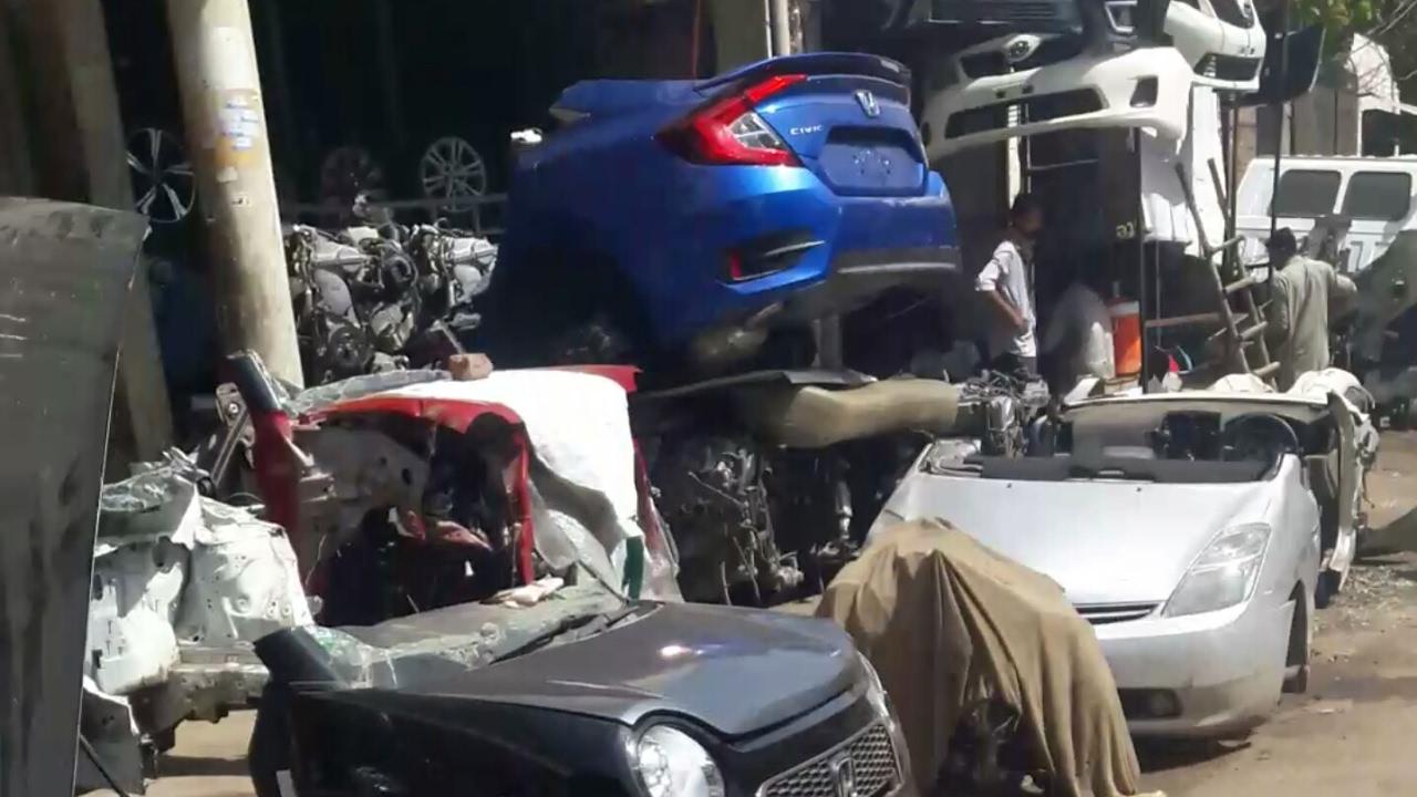 Cars 30k >> Half Honda Civic 2017 In Bilal Ganj Lahore - YouTube