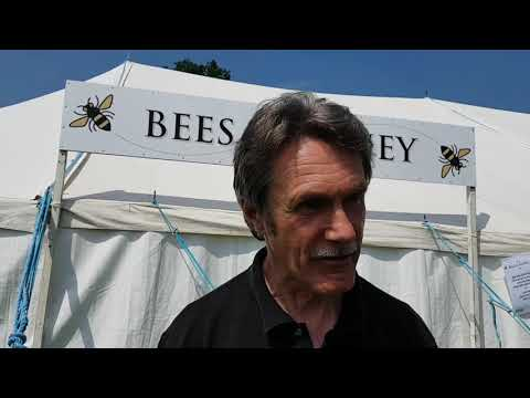 Welcome To The Surrey Beekeepers Association (SBKA)