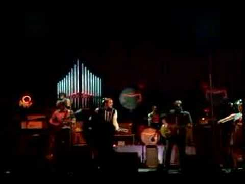 Full download arcade fire intervention stereo difference for Miroir noir arcade fire