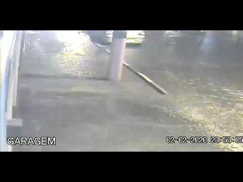 Forte chuva alaga ruas de Nilópolis