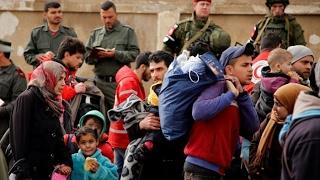 أخبار عربية - استئناف عملية #إخلاء مناطق سورية بعد اعتداء الراشدين