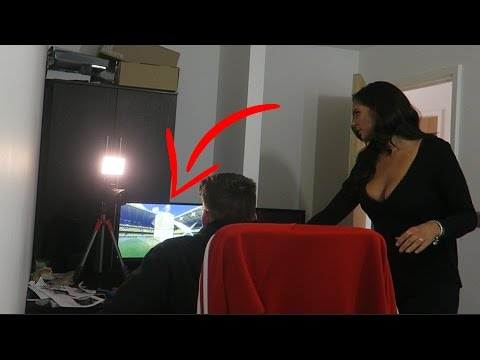 OMFG Pele in A Pack Prank on JESS!! (Fifa 17 Pack Opening)