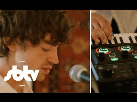 """Cosmo Sheldrake   """"Rich"""" [Live]: SBTV"""