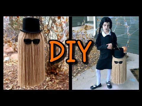 """How To Make a """"COUSIN IT"""" Trick Or Treat Bag! 📍 How To With Kristin"""