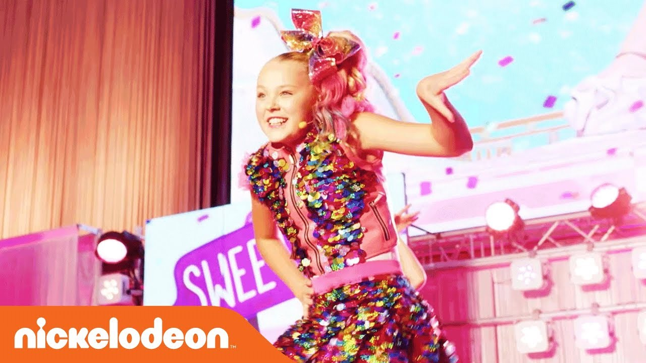 JoJo Siwa s  Kid in A Candy Store  Performance  f1d7f73e7