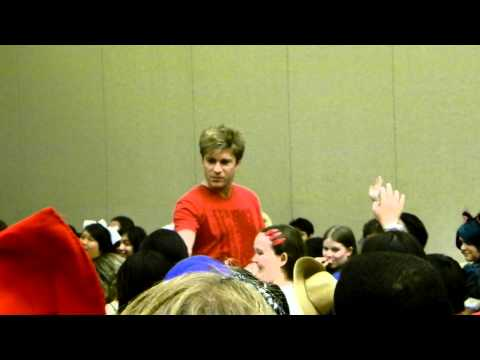 Kawaii-KON 2012 - Vic Mignogna - One Piece Theme Song