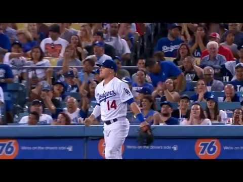 Enrique Hernandez lays out for diving stop at short