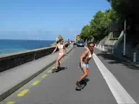 Skater Girls at Biarritz - ROXY - Pin UP CALVIN KLEIN Swimvear