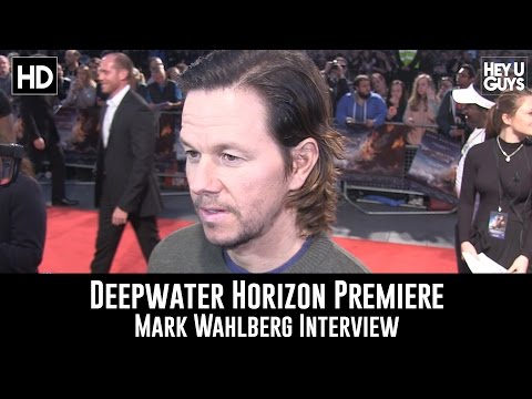 Mark Wahlberg Premiere Interview - Deepwater Horizon & Shooting Transformers 5