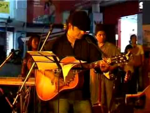 Mohit Chauhan performing Challeya from his album Fitoor