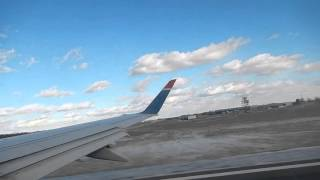 US Airways Express Embraer E175 Takeoff from Bradley International Airport