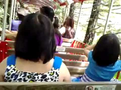 Go by train at Gilroy Garden, step 2 - Di tau lua o Gilroy garden phan 2, by Huong Nguyen !