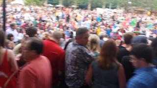 Bacon Brothers Crowd For Kevin Bacon!