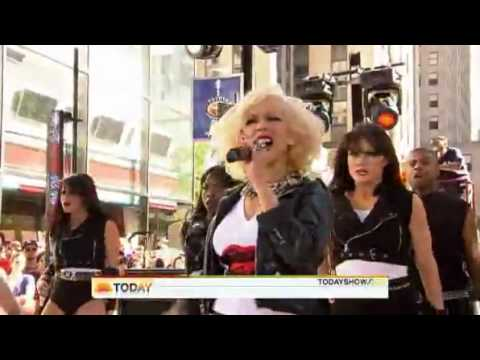 Christina Aguilera - Fighter (Live Today Show).flv mp3