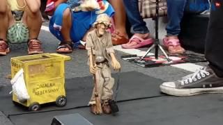 MARIONETTE - Atraksi Boneka Tali di Surabaya, Keren Banget!