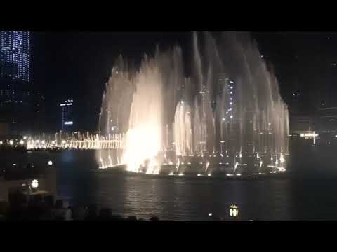 Amazing Water Dancing Fountain In UAE/ Dubai Mall