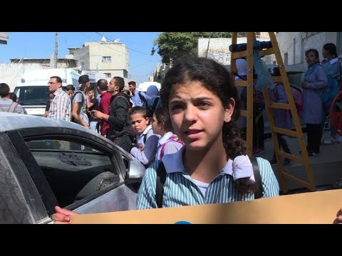 Palestinian students demonstrate against US aid cuts to UNRWA