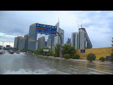 فيصانات وسيول في قطر بسبب الأمطار القياسية  - نشر قبل 60 دقيقة