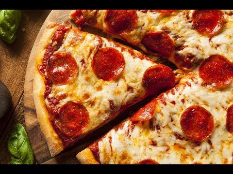 صورة  طريقة عمل البيتزا طريقة عمل بيتزا هت ~ في البيت ~ مع مكوناتها السرية 🍕 بيتزا الببروني الرائعة  😍 طريقة عمل البيتزا من يوتيوب