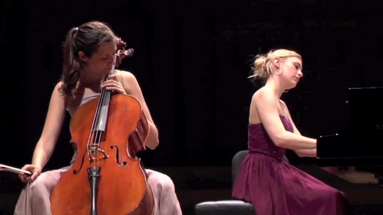 Schubert Auf dem Wasser zu singen : Camille Thomas and Beatrice Berrut