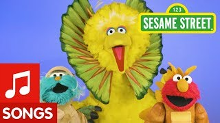 Sesame Street: Do the Dinosaur Dance with Elmo, Rosita, and Big Bird!
