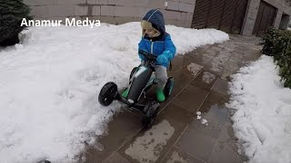 Selim Anamur karda pedallı gokart test ediyor