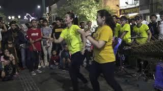 Duel mb cantik dengan lagu Hey Tayo angklung Rajawali Yogyakarta