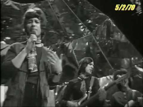 Edison Lighthouse - Love Grows (Where My Rosemary Goes) (Top Of The Pops 5/2/1970)