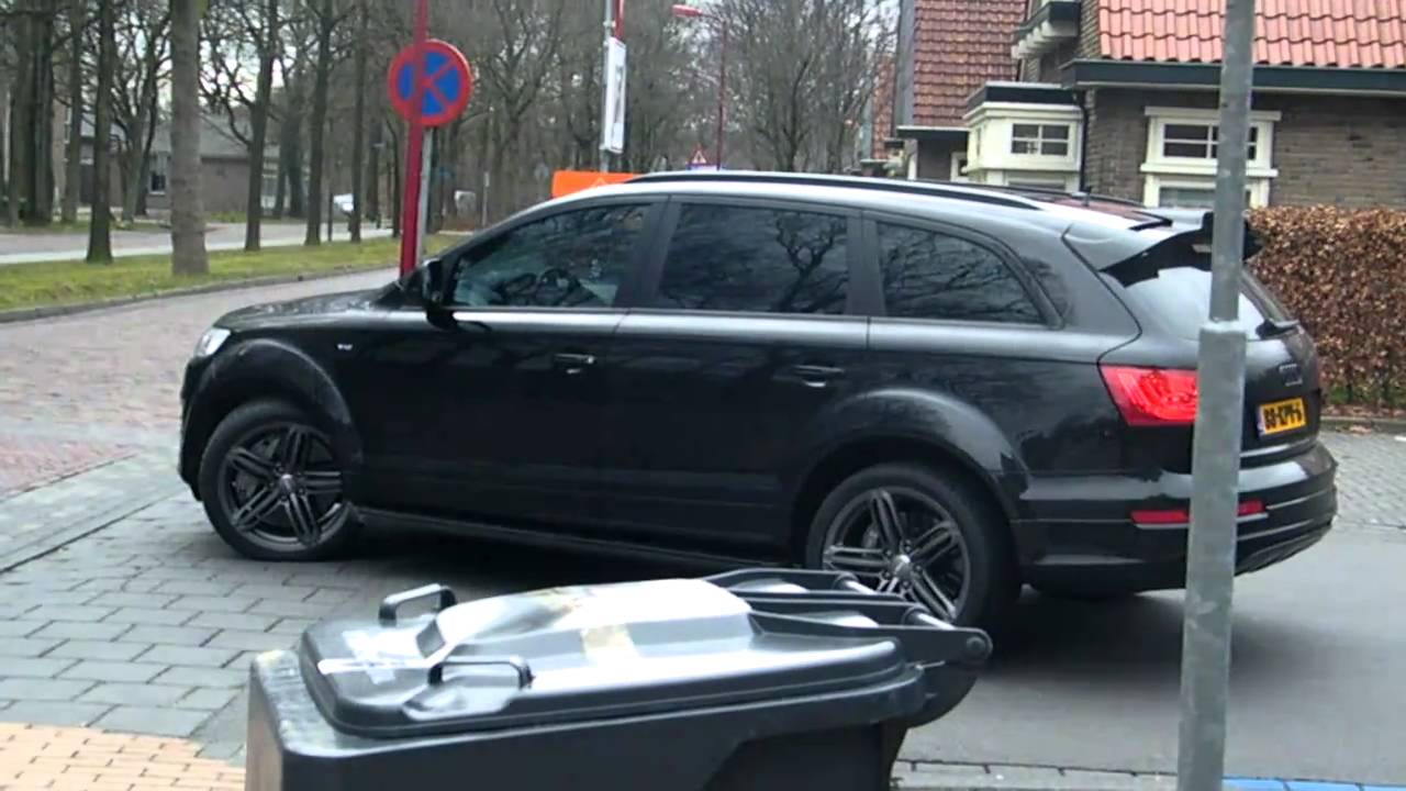 Audi Q V In Oosterwolde YouTube - Audi q7 v12