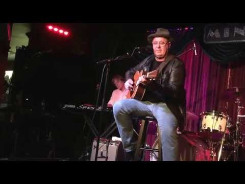 Vince Gill performs I Still Believe In You with co-songwriter John Jarvis