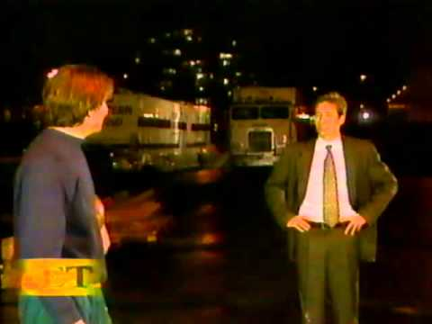 Mulder and Scully hassle Jerry O'Connell
