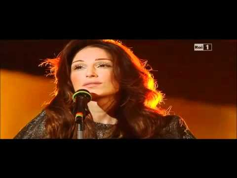 Anna Tatangelo - Bastardo - ultima sera Sanremo 2011