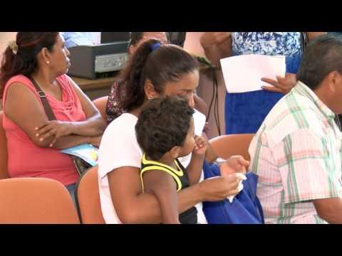Oficial de Registro Civil de Tuxtepec cobra de más por actas de nacimiento from YouTube · Duration:  5 minutes 6 seconds