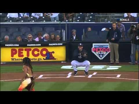 Вопрос: Как держать мяч для синкер броска в бейсболе?