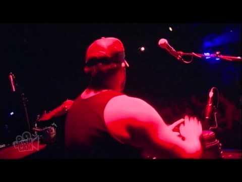 Ash Grunwald - Skywriter (Live in Sydney) | Moshcam