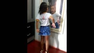 Sofia dançando perpara