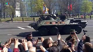 Парад девушек и военной техники 9 мая 2018 в Санкт Петербурге глазами прохожего. Мальковский Вадим
