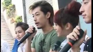 日期:2008-09-21 12:00:00 新浪娛樂訊偶像劇《不良笑花》的寫真書《不...