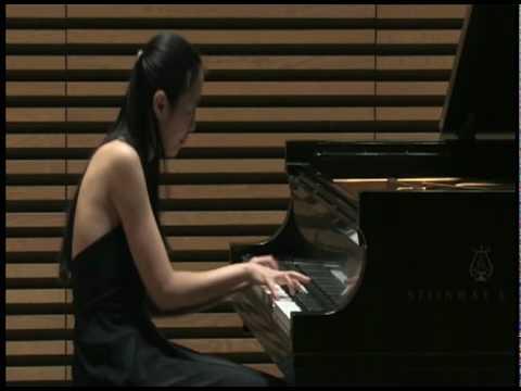 Ling-Ju Lai plays Rondeaux