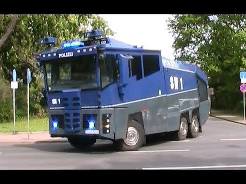 Großeinsatz Polizei in Dresden bei Fußballspiel 29.4.2012 (4 x WaWe + 1 neuer WaWe 10000)