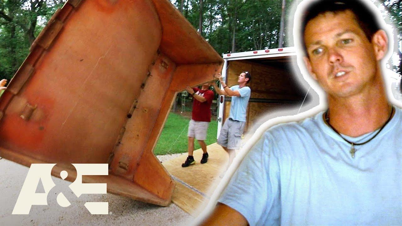 """New & Improved"" Jarrett's Half-Brained Half-Pipe Pickup (S3) | Shipping Wars | A&E"