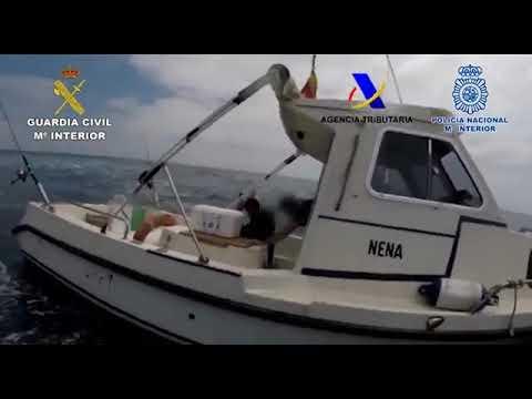 Así intercepta la Guardia Civil una embarcación cargada de hachís en el Estrecho