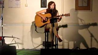 Kate McGill - Full to the Brim (Live in Manchester - 04/06/2011)