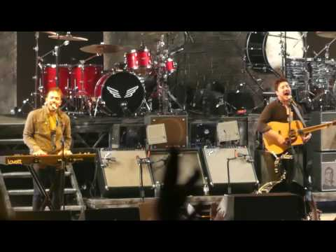 """""""The Cave"""" Mumford And Sons@BBT Pavilion Camden, NJ 5/25/17"""