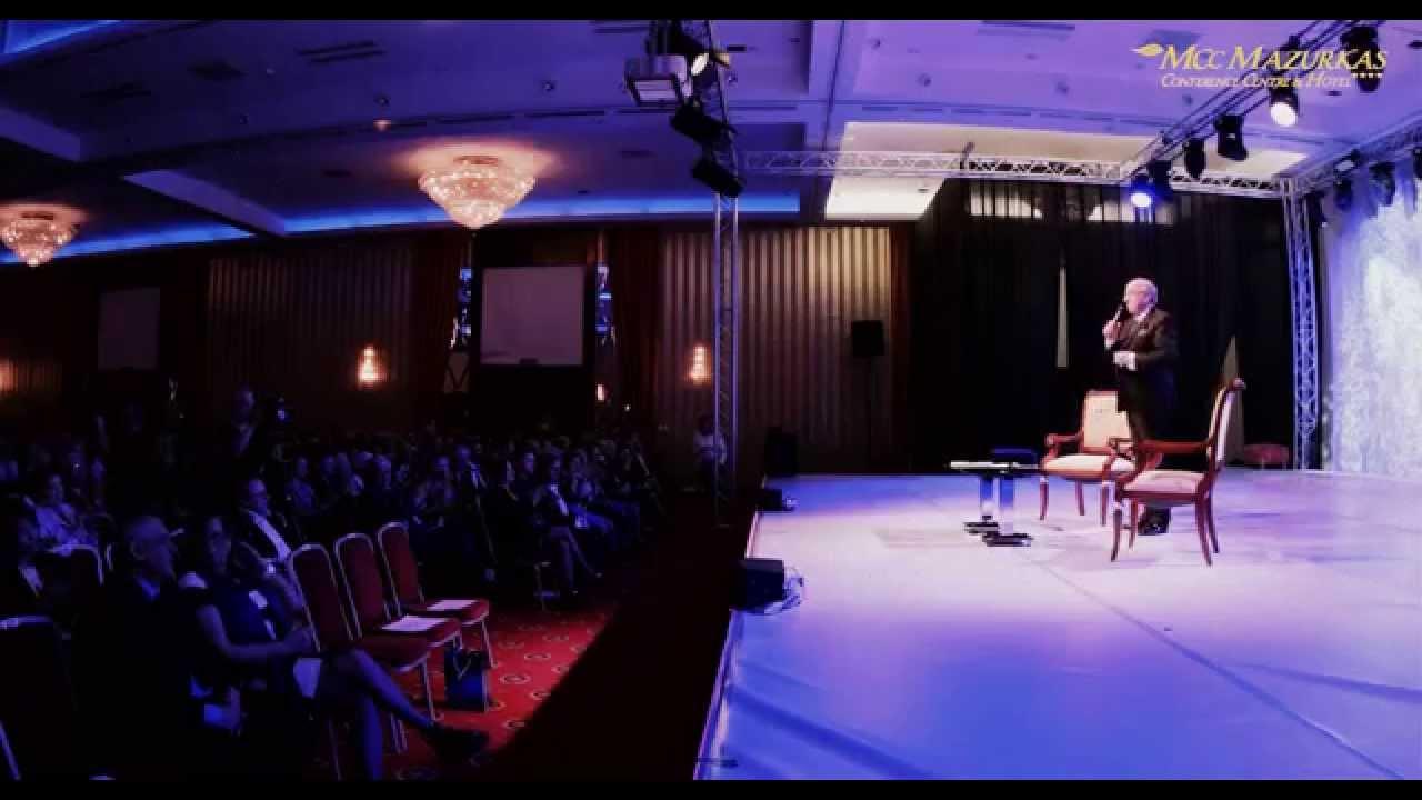 XV Forum Humanum Mazurkas-dyskusja Andrzeja Bartkowskiego z Waldemarem Dąbrowskim-w MCC