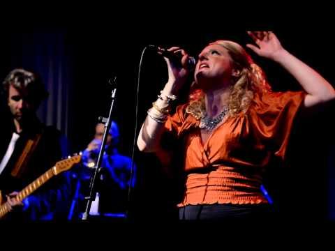 Just Keeps Smoking - Laura Vane & The Vipertones - Live @ Bibelot 2011